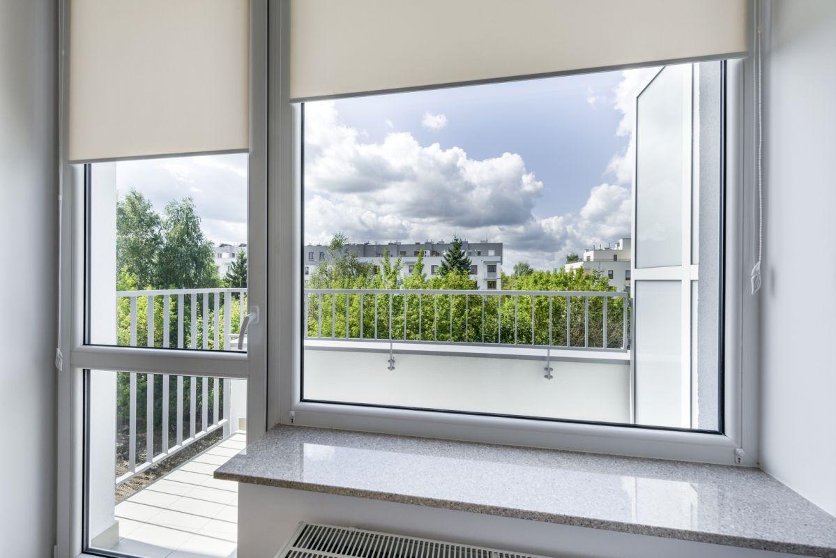 Parapet granitowy w pokoju z balkonem Bydgoszcz
